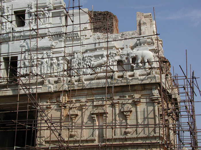 Rebuilding the excellent Krishna Temple in Hampi. Unfortunately, the statue of Krishna had been take to Bangalore so I had to go