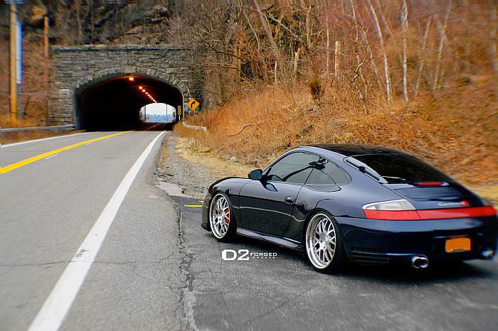 Porsche-911-Carrera-4S-D2FORGED-FMS01-Wheels-Image-02